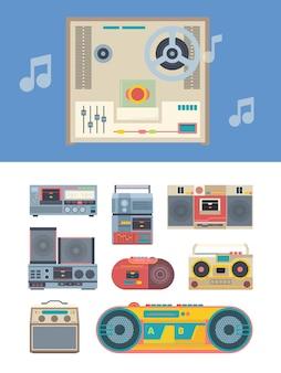 Ретро-рекордер. портативные винтажные аудиоплееры коллекция музыкальных гаджетов. стиль 80-х изолирован