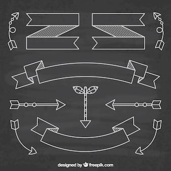 Nastri e raccolta di frecce in stile lavagna