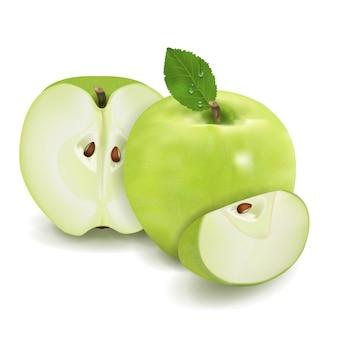Спелое зеленое яблоко с листом и половиной
