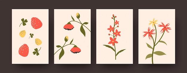 Insieme di carte di fragole mature ed elementi floreali