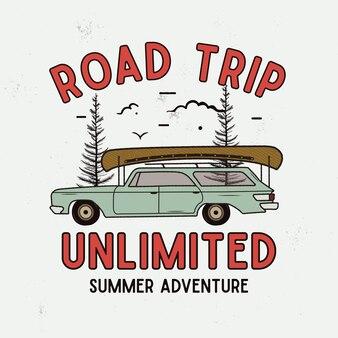 T-셔츠를 위한 road trip summer adventure 그래픽, 인쇄. 빈티지 손으로 그린 캠프 엠블럼. 나무, 특이한 배지가 있는 복고풍 여행 장면. 야외 레이블. 스톡 벡터입니다.