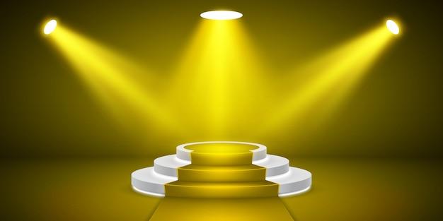빛을 가진 둥근 무대 연단. 시상식 카펫 축제 노란색 연단 장면.