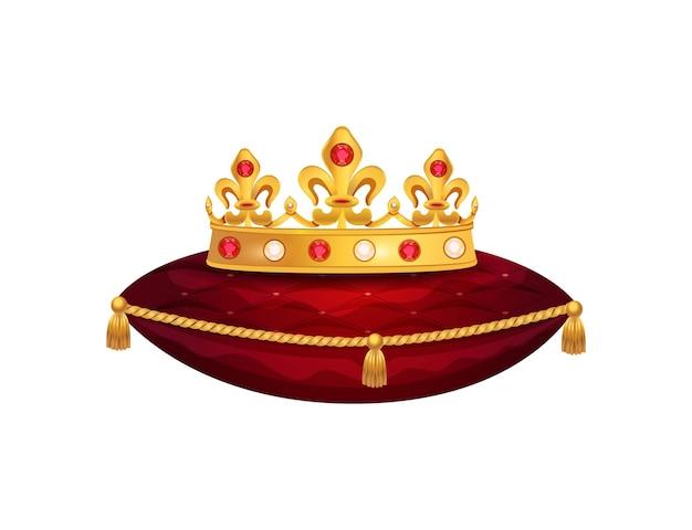 Composizione della corona d'oro reale con immagine isolata della corona sul cuscino di velluto rosso