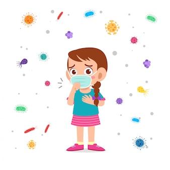 슬픈 귀여운 꼬마 소녀 기침 사용 마스 커