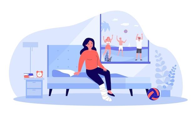 Грустная женщина со сломанной ногой, глядя на людей, играющих на улице. девушка с ногой в гипсе, сидя на кровати в помещении плоские векторные иллюстрации. травма, летняя концепция для баннера, дизайна веб-сайта или целевой страницы
