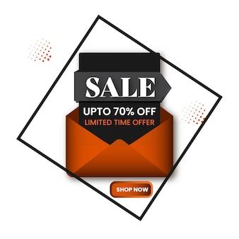 Продажа дизайн плаката с 70% скидкой и открытым конвертом на белом фоне.