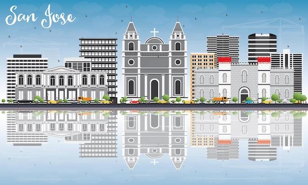 Горизонт сан-хосе с серыми зданиями, голубым небом и размышлениями. векторные иллюстрации. деловые поездки и концепция туризма с современной архитектурой. изображение для презентационного баннера и веб-сайта.