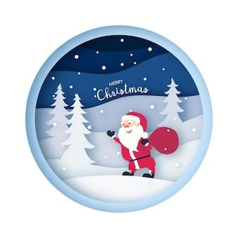 Санта-клаус в лесу со снегом в зимний сезон и рождество