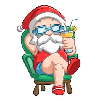 Санта-клаус сидит в коротких штанах и держит стакан
