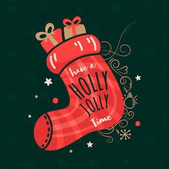 メリークリスマスのベージュの背景にギフト、キャンディー、雪片、愛の平和と喜びのテキストでいっぱいのサンタソックス。