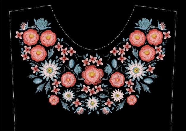 花のサテンステッチ刺繍デザイン。ドレスラインのフォークラインの花柄トレンディなデザイン。首の民族のカラフルなファッション飾り