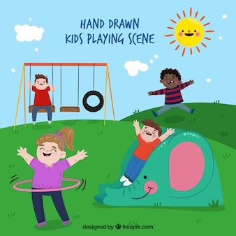 놀이터에서 노는 손으로 그린 어린이의 장면