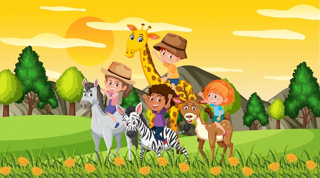 Сцена со счастливыми детьми и животными в парке