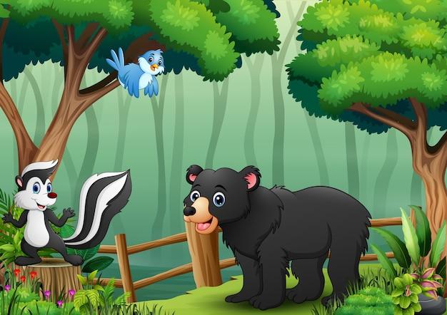 森の中の多くの動物とのシーン