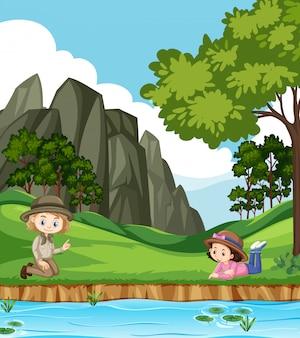 Сцена с двумя девушками в парке