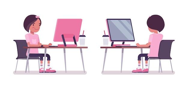 コンピューターモニターで勉強している女子高生