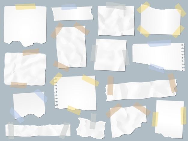 Обрывки бумаги на липкой ленте. урожай рваной бумаги на липких лентах, фреймах и бумаге для заметок
