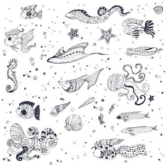 Sea animals pattern background