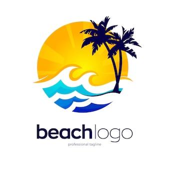海のビーチのロゴのテンプレート
