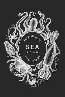 シーフードデザインテンプレート。チョークボードに手描きのベクトルシーフードイラスト。刻まれたスタイルの食品バナー。レトロな海の動物の背景