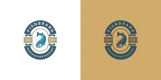 Логотип морепродуктов или знак рыбный рынок и ресторан шаблон силуэт лосося рыбы