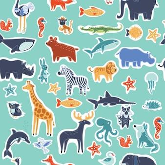 かわいい笑顔の野生動物の縫い目のパターン。面白いアニムラの人物の背景