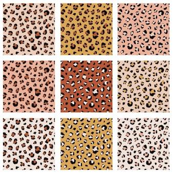 ヒョウのドットで設定されたシームレスな動物のパターン。生地、ラッピングのための創造的な野生のテクスチャ。ベクトルイラスト