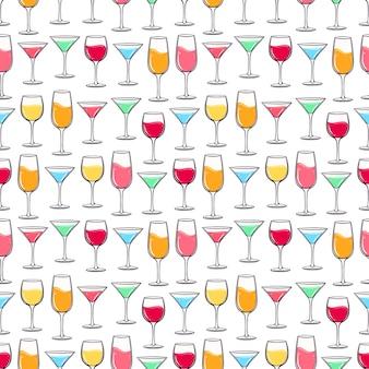 Бесшовный фон с разноцветными стаканами разных напитков