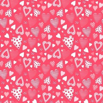 손으로 그린 하트와 원활한 유치 한 패턴입니다.