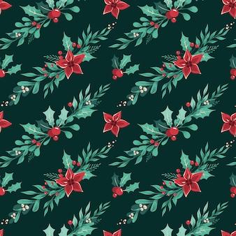 Бесшовный рождественский образец с гирляндами зимних растений, листьев, ягод и цветов, расположенных по диагонали на темно-зеленом фоне.