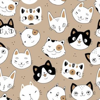 シームレスな落書き漫画の猫はベージュの背景にシームレスなパターンに直面しています