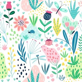 Бесшовный узор процветания с полевыми цветами, растениями, бабочкой и другими элементами.