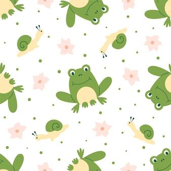Бесшовный фон из лягушек с розовыми цветами и маленьких улиток на белом фоне. идеально подходит для детской ткани, домашнего декора и оберточной бумаги.