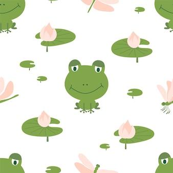 Бесшовный фон из зеленых лягушек со стрекозами и лилиями на белом фоне. идеально подходит для детской ткани, домашнего декора и оберточной бумаги.