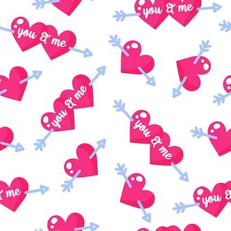 Бесшовный фон из сердечек с надписями и стрелами купидона на свадьбу или день святого валентина.