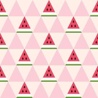 Бесшовный фон из кусочков арбуза в геометрическом стиле.