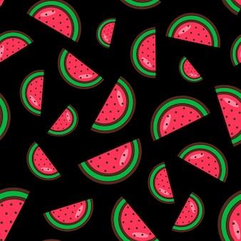검정색 배경에 수박 조각의 매끄러운 패턴입니다. 수박 패턴입니다. 다채로운 여름 과일 패턴입니다. 벡터 일러스트 레이 션. 플랫 스타일
