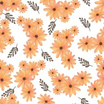 Seamless pattern of orange daisy