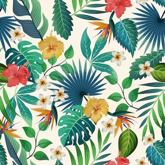 Бесшовный фон с красивыми тропическими цветами и листьями экзотического фона.