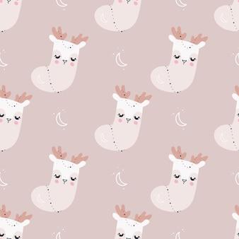 Бесшовные модели с рождественскими носками и оленями санта-клауса