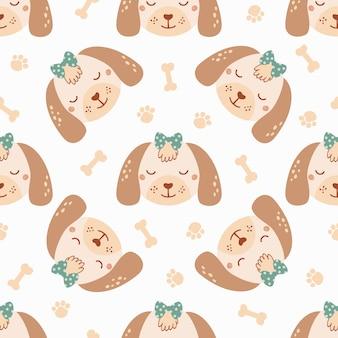 Бесшовный фон с милой собакой с костью, бантом и следом. фон с дикими животными в плоском стиле. иллюстрация для детей. дизайн обоев, ткани, текстиля, оберточной бумаги. вектор