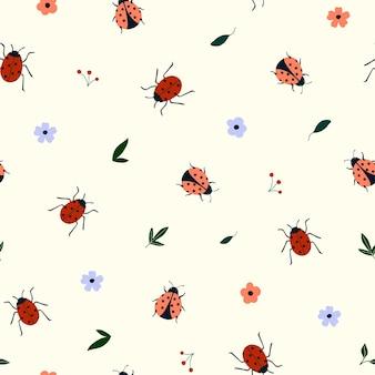 かわいい手描きのてんとう虫と花とのシームレスなパターン。生地、パッケージ、キッズtシャツのデザインのための居心地の良いヒュッゲスカンジナビアスタイルのテンプレート。フラット漫画スタイルのベクトル図