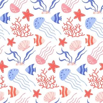 Бесшовный фон с милыми морскими и океанскими животными, кораллами и ракушками.