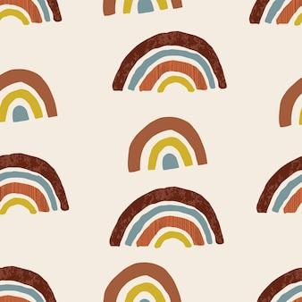 手描きの虹とのシームレスなパターン。テラコッタ色。ファブリック、ラッピング、テキスタイル、壁紙、アパレルのための創造的なスカンジナビアのテクスチャ。ベクトルイラスト