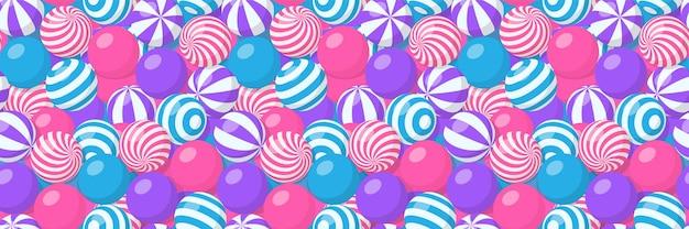 줄무늬 공, 풍선 껌, 둥근 사탕 또는 해변 탄력 구체의 더미와 함께 완벽 한 패턴입니다. 나선형 패턴, 검볼 또는 플라스틱 스포츠 장난감이 있는 많은 달콤한 드라제가 있는 벡터 만화 배경