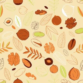 クルミ、ヘーゼルナッツとピスタチオ、明るい背景の葉とのシームレスなパターン。走り書き。ナッツ全体、皮をむいたものと剥がしていないもの。ベクトルイラスト