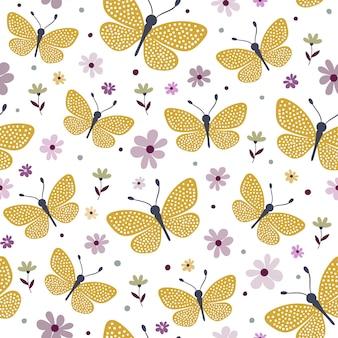 Бесшовный фон с желтыми бабочками и цветами