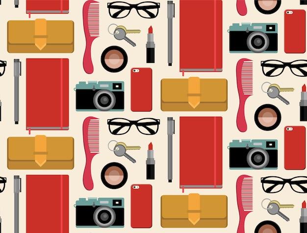 くし、メモ帳、携帯電話、カメラ、メガネなどのヒップスターバッグの内容のseamlssパターン。