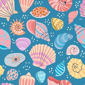 貝殻のシームレスパターン。アサリの殻、カキ、ホタテ、貝の夏の海のプリント。海洋軟体動物の貝殻のベクトルの壁紙。紺色の背景に水中野生生物