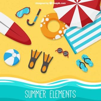 Seashore con elementi di estate in una vista dall'alto